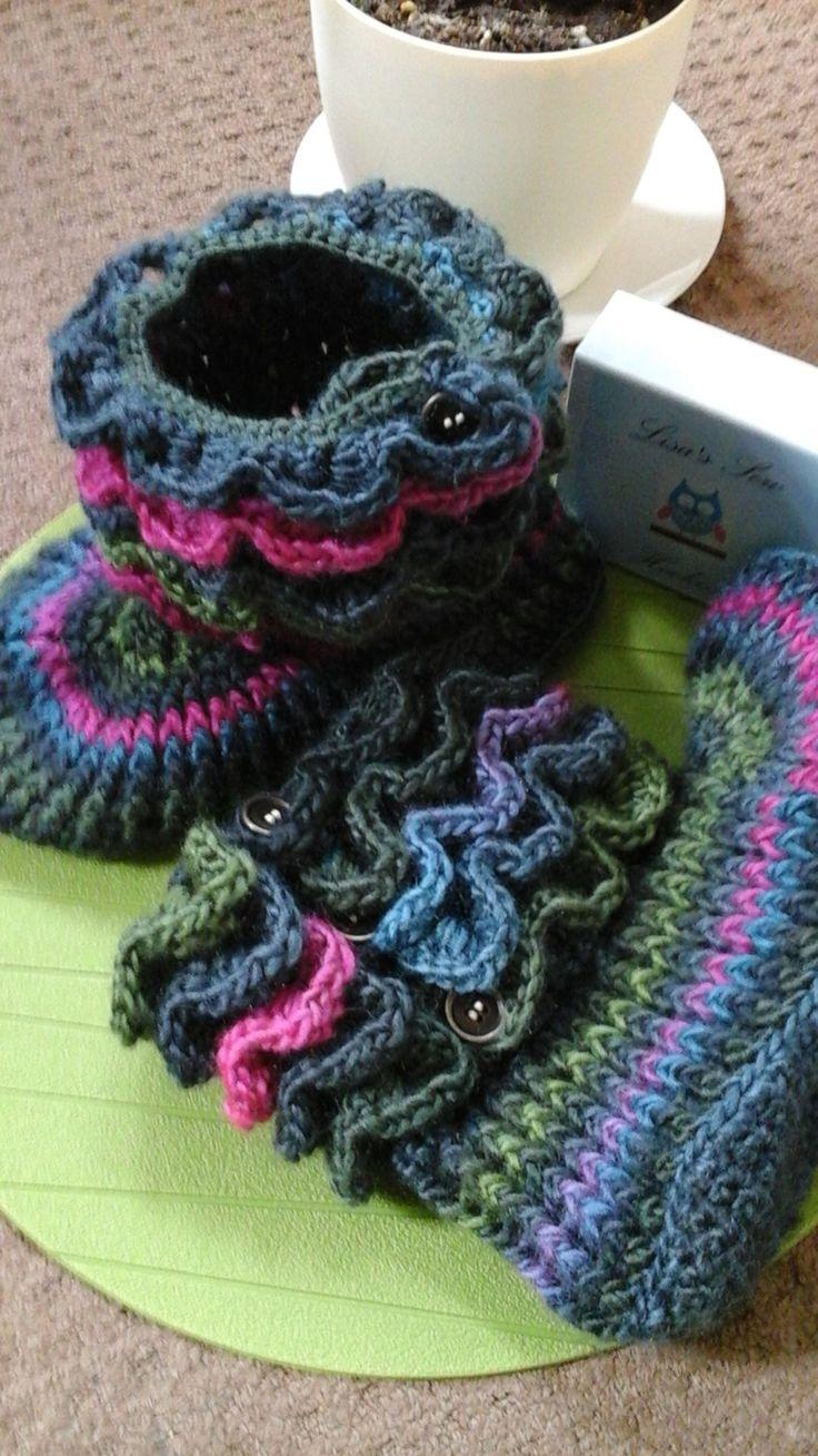 Crochet multi colour slipper boots with button closure crocodile stitch - pinned by pin4etsy.com