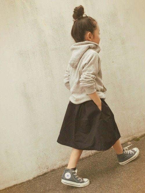 green label relaxingのスカート「サイドジップ スカート」を使ったmicooのコーディネートです。WEARはモデル・俳優・ショップスタッフなどの着こなしをチェックできるファッションコーディネートサイトです。
