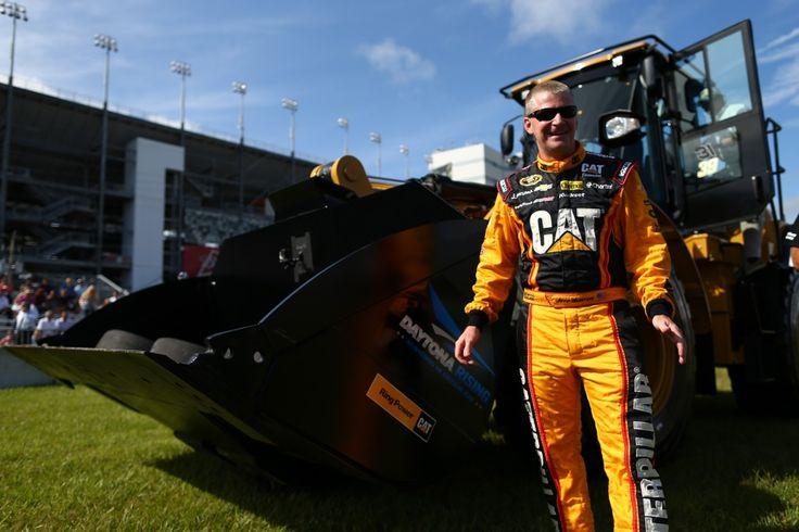 Jeff Burton trova un sedile part-time al Michael Waltrip Racing