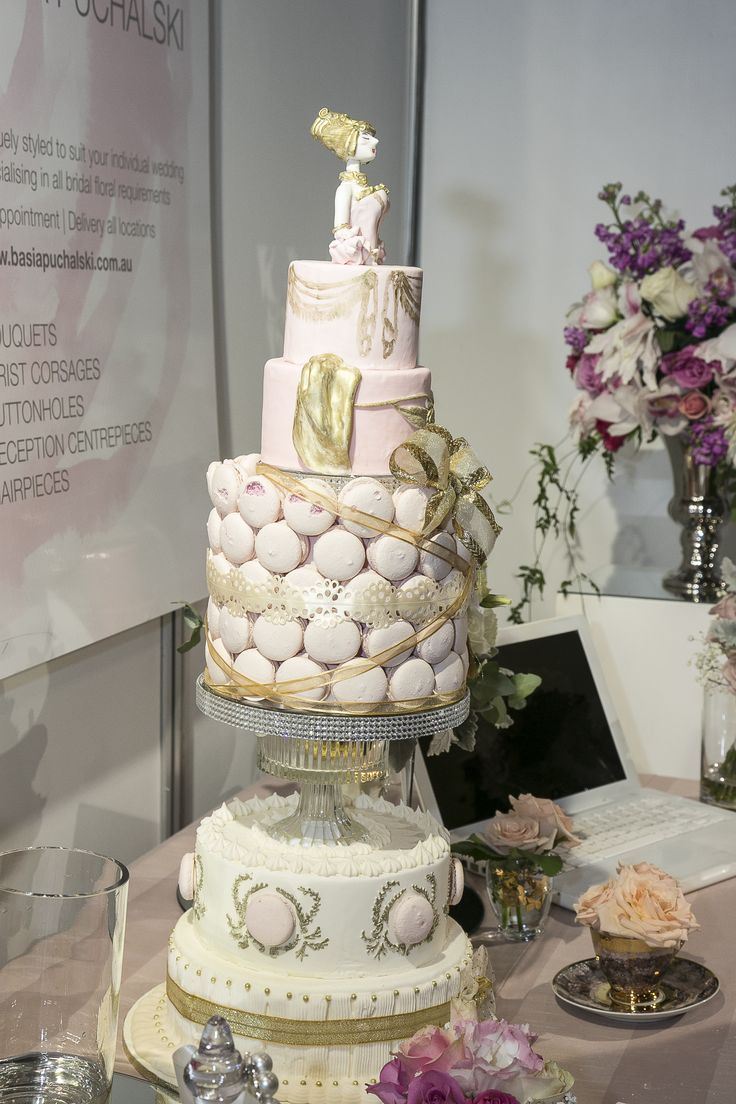 C'est Bon cakes. Amazing creations.
