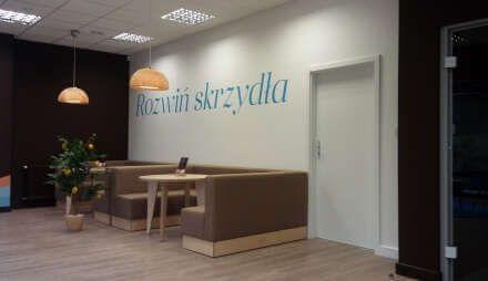Bank NEST otwierał średnio 10 nowych oddziałów miesięcznie.   http://opinierum.pl/franczyza-przyspieszyla-rozwoj-nest-banku/