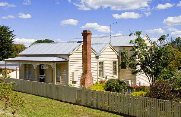 Ballarat Miners Cottages | Carrigg House a very pretty little miner