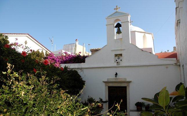 Η Παναγία η Παλατιανή (Αγία Τσουρά) #andros #island #greece #travel http://diakopes.in.gr/trip-ideas/article/?aid=209717