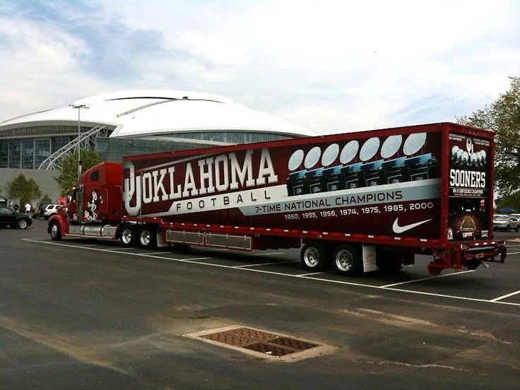 University of Oklahoma Sooners - equipment transporter for away football games