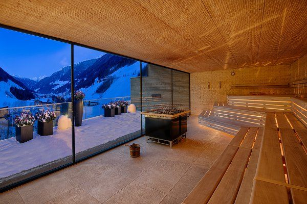 Panorama Sauna - with view on the lake Das neue ALPENSCHLÖSSL & LINDERHOF Wellnessresort - Alpenschlössl & Linderhof