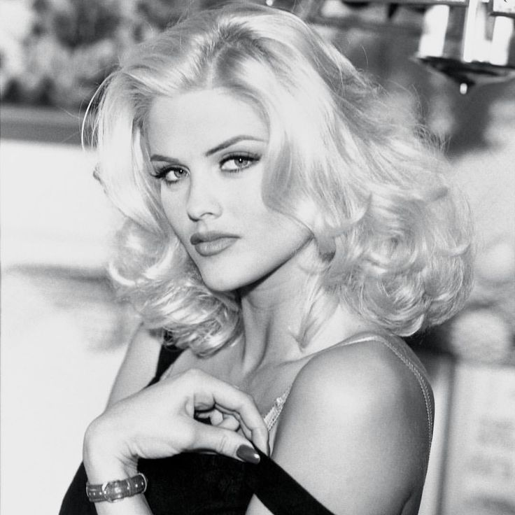 anna nicole smith playmate of the year guess jeans spokesmodel tv personality and had a few film roles