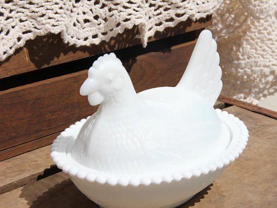 Milk Glass   Hen on nest  Chicken on nest  Glass Hen