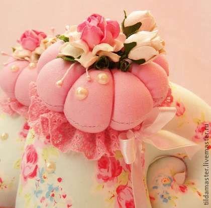 Улитка Тильда (розовое облако) - улитка,улитка Тильда,тильда,розы,бутон
