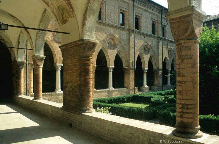Il Chiostro di San Simeone nell'abbazia di San Benedetto Po