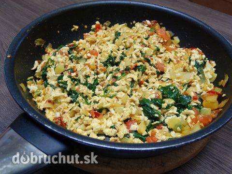 Fotorecept: Tofu-špenátová smaženice bez vajec