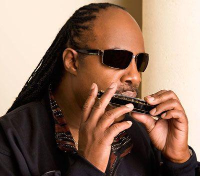 Cantor Stevie Wonder entra com pedido de divórcio