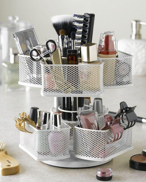 Budget Makeup Storage Ideas | The Budget Decorator