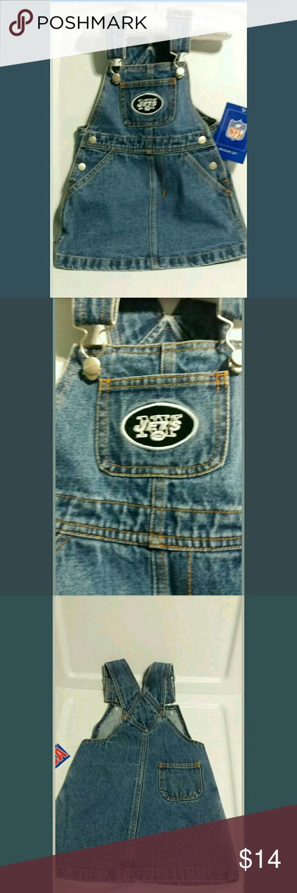 "Reebok NY Jets Girl's Denim Overall Dress For our littlest fans, Reebok NY Jets Girl's Denim Overall Dress NFL Brand (2T)   Adjustable Straps for growth. Silver tone Reebok hardware. 2 side pockets 1 back pocket & 1 chest pocket with team logo.   Length: 14.5"" from chest to hem.   Thanks for visiting The Closet Shopper!!! NFL Dresses Casual"