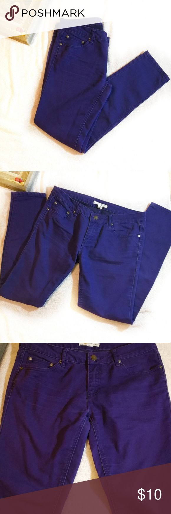 """F21 Purple Skinny Jeans Size 28 F21 purple skinny jeans in very good condition. It is not super skinny and does not stretch very much. I couldn't find the material information anywhere, but a rough guess is 99% cotton and 1% other blend.  Fit true to size. I'm 5'6"""", and the length is perfect for me.   Lay flat measurements : waist 16, inseam 28 1/4, rise 8.   Signs of wearness can be found in the last three pictures (some fade in color and inside pocket). Forever 21 Jeans Skinny"""