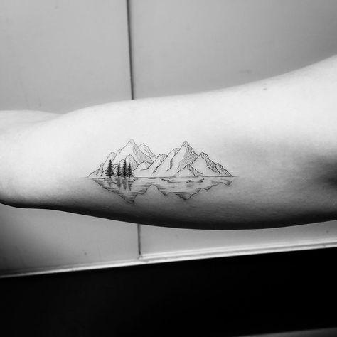 """Likes: 755, Kommentare: 14 – JAY Shin (Jayganzi) (@jayshintattoo) auf Instagram: """"Danke, Caitlin @caitmorri #Mountains"""""""