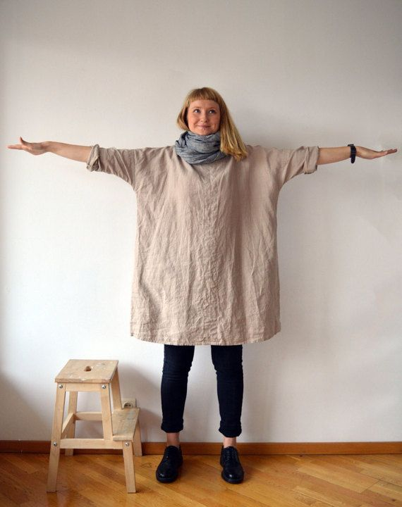 Lovely oversized linen tunic with pockets. Has 3/4 long sleeves and in line pockets for the ultimate comfort. Perfect with trousers and leggings or to wear as a dress. Great texture and lovely wrinkles.  Made from high quality creamy grey medium weight linen that will become softer and more distinctive with every wash. No zipper or buttons - just put it on and dive into your day with style and comfort! Each piece is individually cut, sawn and pre-washed. We really love making dresses for…