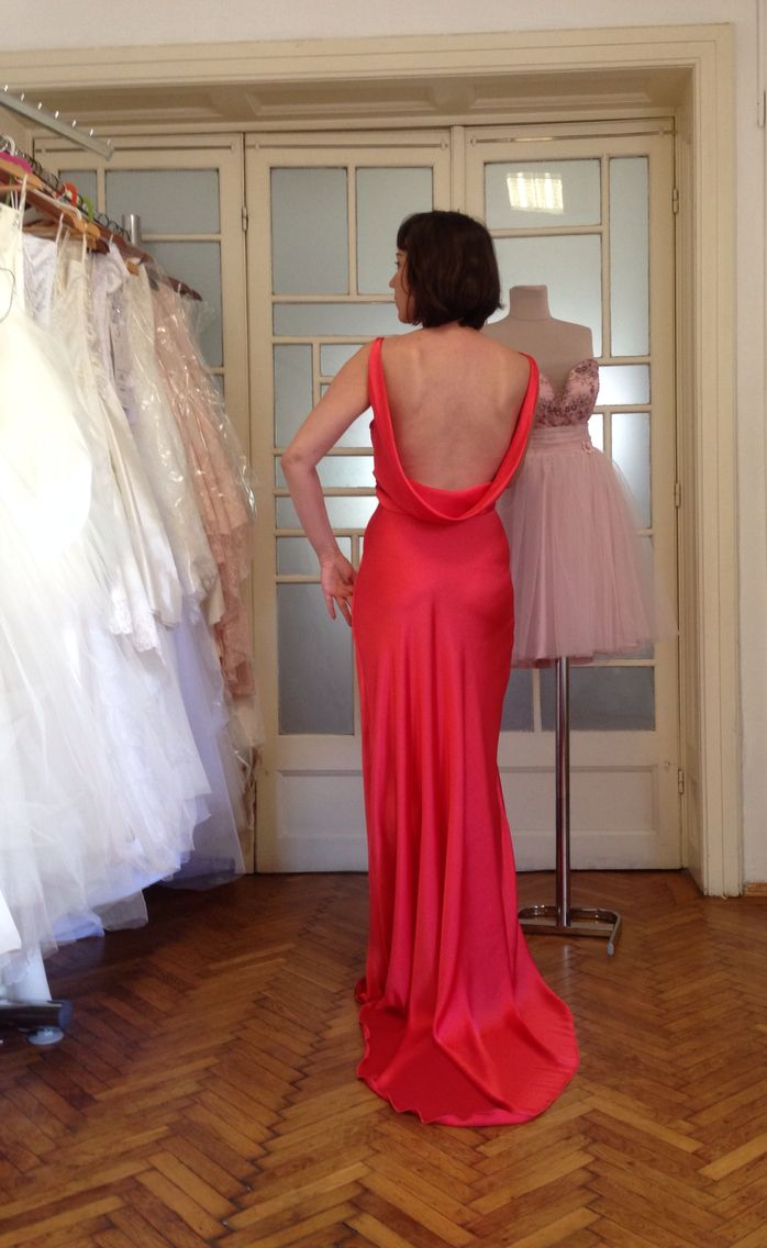Magda Gealapu  Maison de couture  https://www.facebook.com/269377123228550