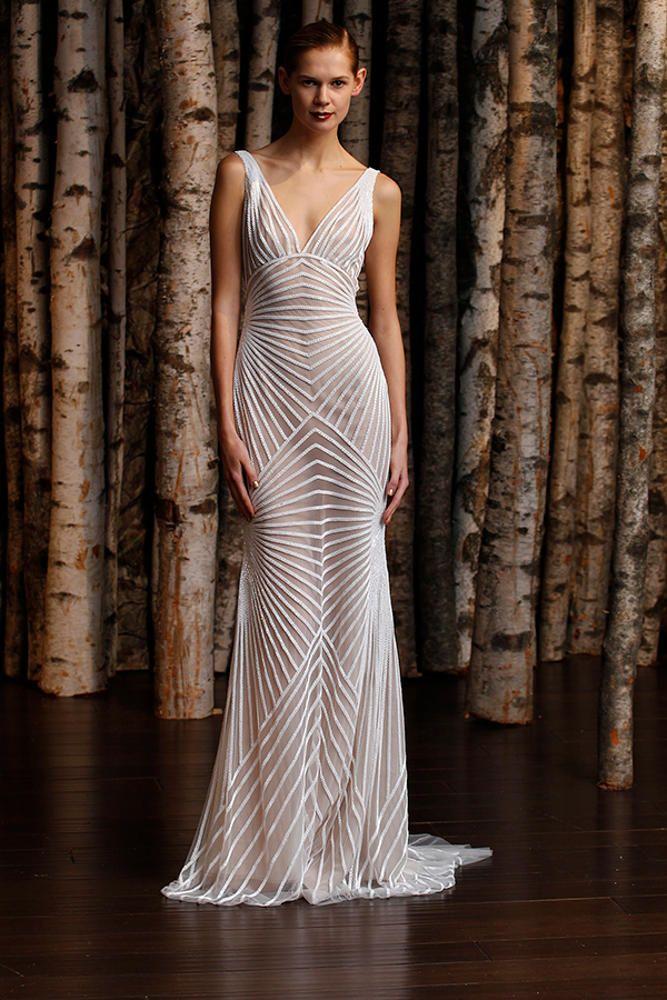 Découvrez la robe de mariée Naeem Khan Hollywood disponible chez Plume Paris, boutique de robes de mariée à Paris