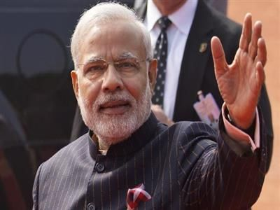 Rs 1.21 cr bid from Surat-based businessman for Modi's 'controversial' pinstripe suit - See more at: http://newspostlive.com/Description/?NewsID=1737#sthash.JWHAVKqG.dpuf