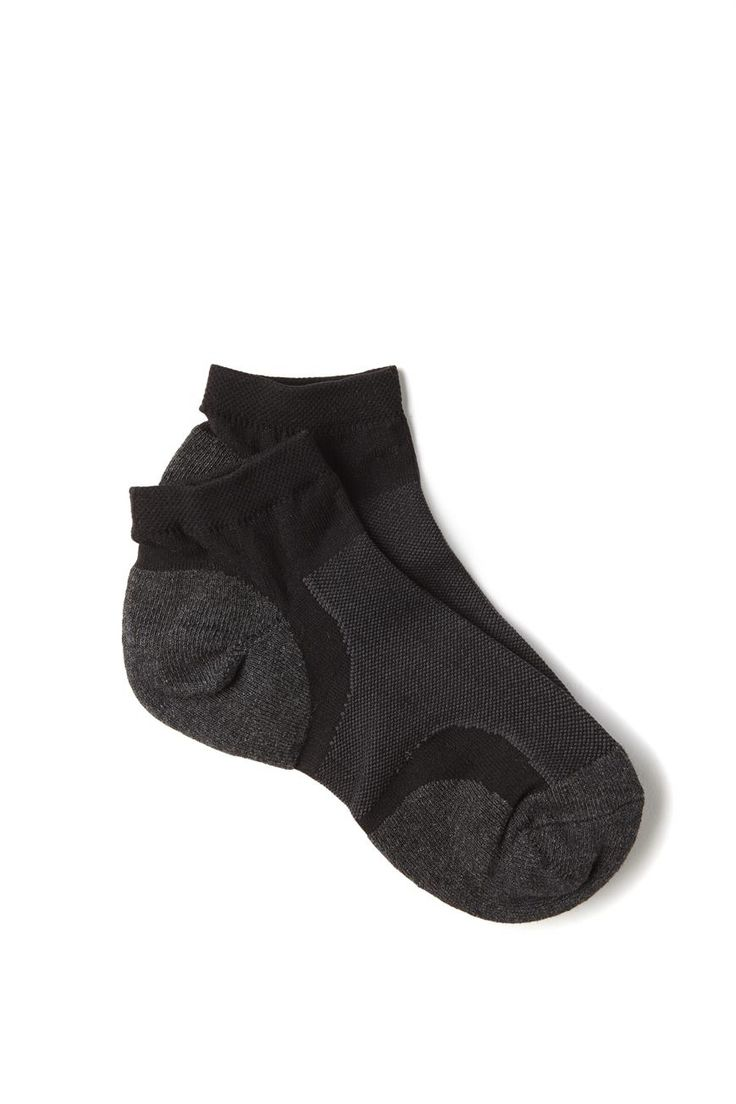 <p>PANEL ACTIVE SOCK<br /> The low cut look is perfect for completing your active look, and the lightweight material is thin across the top of your foot to allow you to breathe easily.<br /> - Low cut design to sit perfectly in your trainers.<br /> - Active style<br /> - Contrasting panelling<br /> - Stretches & moves with you<br /> -Thinner knit across top of foot for added breathability<br /> <br /> SUITS SIZE: WOMENS AU/US 5-10<br /> <br /> 65% COTTON 20% POLYAMIDE 10% POLYESTER 5% EL...