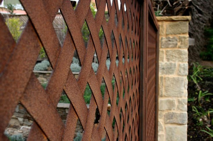 Corten steel diamond lattice