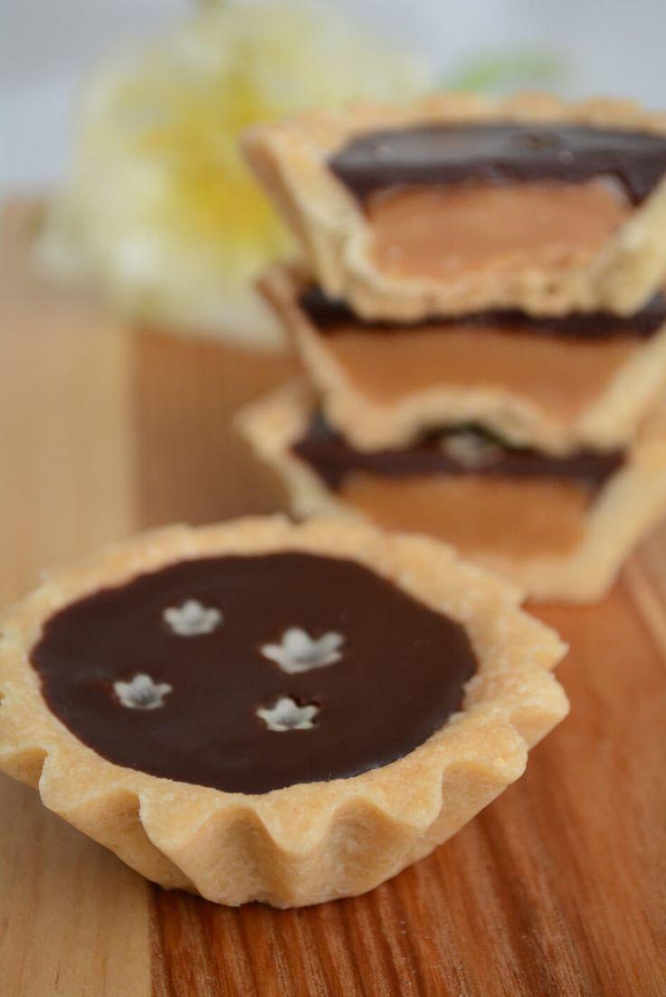 Små lækre karameltærter med chokoladeganache - fines.dk