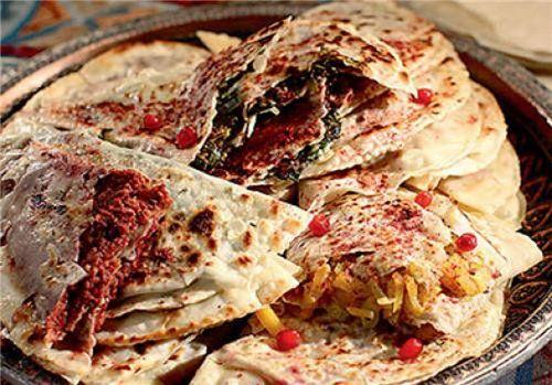 Шедевры кулинарного искусства Азербайджана: гутабыОдно название этого произведения кулинарного искусства уже вызывает аппетит. Гутабы! Кто их не любит? С мясом, зеленью, тыквой, потрохами, да с чем уг…
