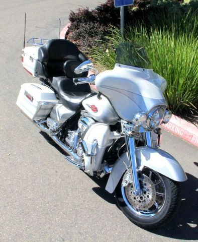 2008 Harley-Davidson FLHTCUSE3 - Ultra Classic Screamin Eagle Electra Glide Touring , White/Silver, 29,644 miles for sale in Folsom, CA