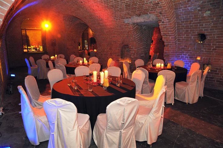 Forteca with a slightly mysterious scenery, is an excellent background for elegant gala dinners, banquets as well picnics or concerts.