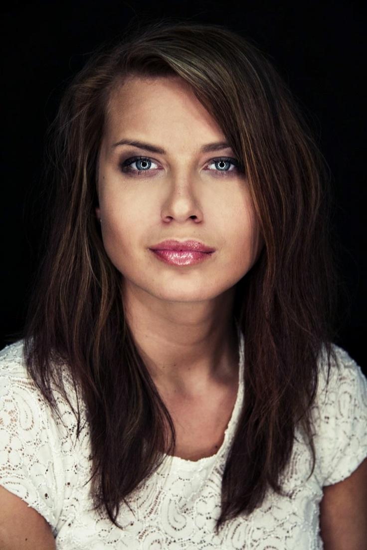 Miss Ziemi Kaliskiej 2012     http://kalisz.naszemiasto.pl/artykul/galeria/1511573,wybraliscie-dziewczyne-lata-natalia-switalska-laureatka,3260213,id,t,zid.html#galeria