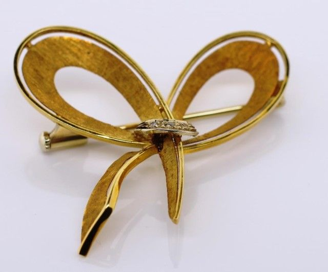 Realisations +Plus ( Public Auctions ) / Jewelry - Brooches