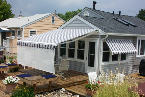 Apple Annie Retractable Awnings
