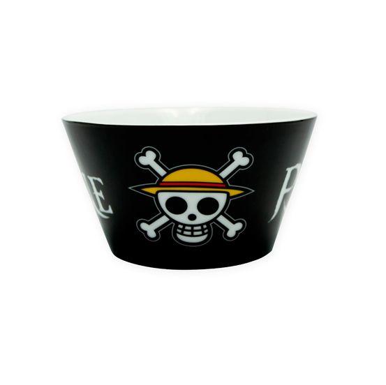 Bol One Piece Skull fabricado en porcelana de alta calidad con capacidad de 460 ml. Impresión de alta calidad que soporta más de 800 ciclos en el lavavajillas. Viene en un embalaje de cartón para proteger el bol mientras que proporciona una visibilidad de 360 º.