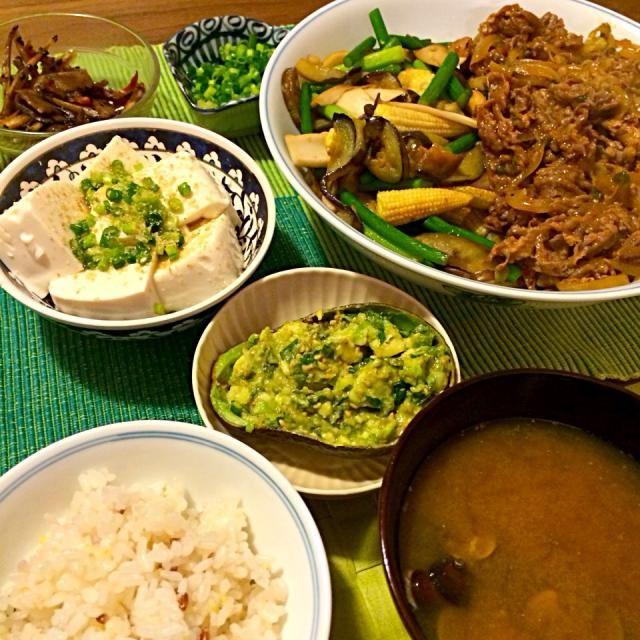 レシピとお料理がひらめくSnapDish - 6件のもぐもぐ - プルコギ野菜炒め添え、アボカドなめろう、きんぴら、冷奴、しじみの味噌汁 by Junya Tanaka