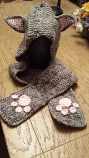 Cat inspired hat/scarf with pockets for  Catherine - age 10