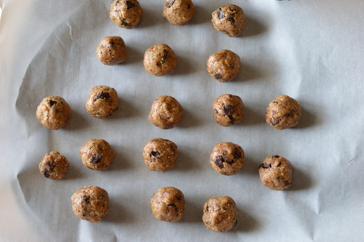 Oh She Glows Peanut Butter Cookie Dough Bites | Effyeahfood