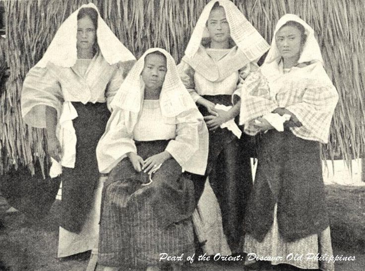 Filipino Women Of The Lower Class Ready To Go Church Philippines 1905 Or Before