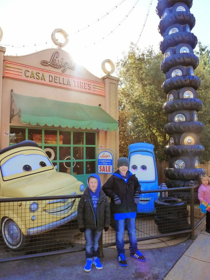 What We Loved About Disneyland Paris At Halloween, We stayed at the New York Hotel, The perfect location in the Disney Village, a short walk for the restaurants and parks, and fantastic facilities including a great restaurant, large pool and buffet breakfast.: