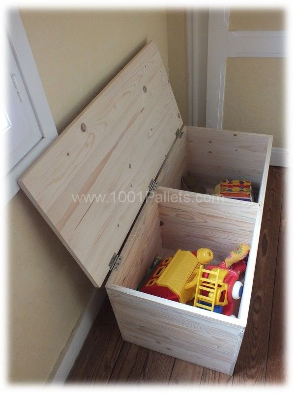 Best 25 kids toy boxes ideas on pinterest diy storage for Toy pallets
