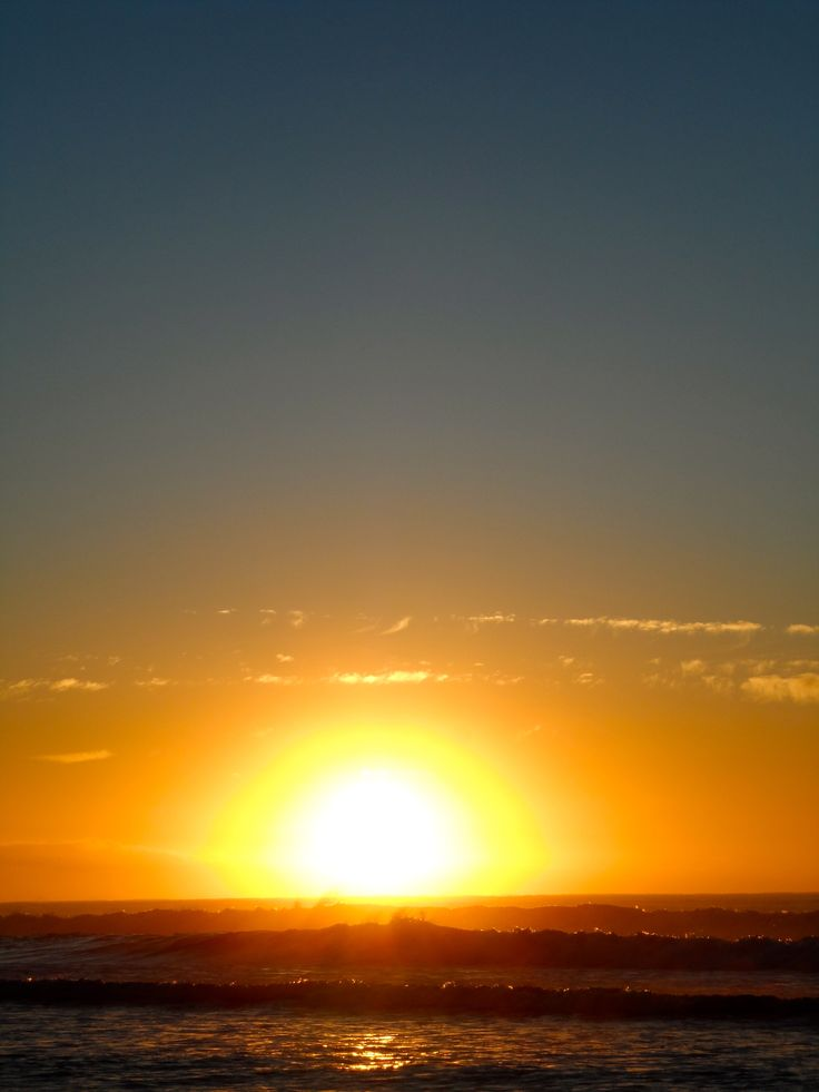 Woodend Beach Holiday Park. Beautiful sunrise, beach, sun, pacific...