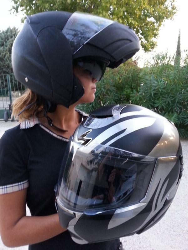 Location casque moto taille 54 couleur : noirvisière teintée amovible, casque intégral modulable Casque moto à louer à Saint-Gervais (30200) - www.placedelaloc.com #location #consocollab #casque