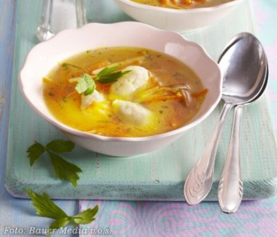 Libečková polévka s krupicovými knedlíčky