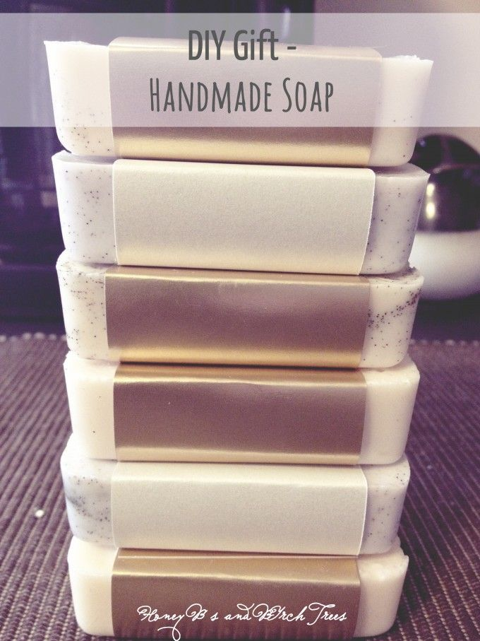 Melt & Pour Soap - easy DIY and would be great with vanilla bean flecks in it!