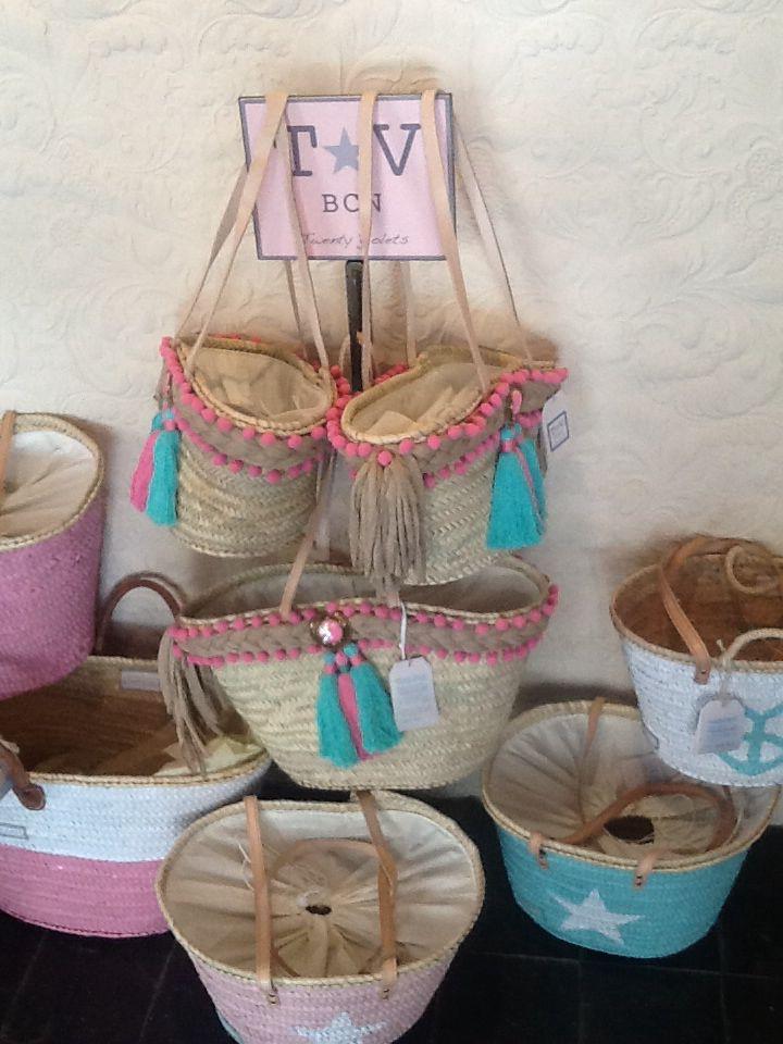 Las 25 mejores ideas sobre bolsas de playa en pinterest y - Capazos de mimbre decorados ...