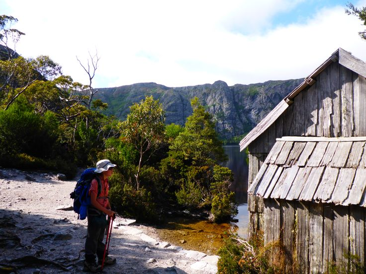 Old Hut besides Cradle Lake