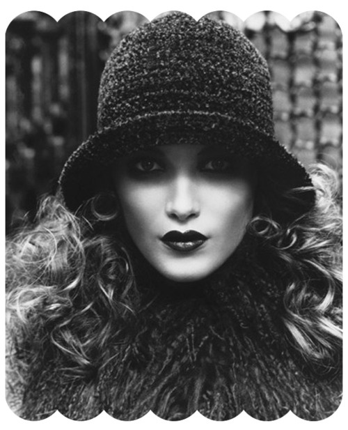 ON TREND Vintage Cloche Hat  Great Hair & Makeup