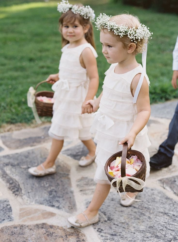 Flower Girls + Baby's Breath Halo Wreath | Photography: Elisa Bricker: