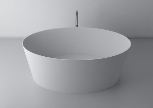 People are divided into those who like quick showers, and those who prefer long baths. To the second part we recommend freestanding bath with oval shapes that thanks to the symmetrical form they perfectly harmonize with the environment. Especially in the spacious bathrooms they perfectly replace traditional corner-baths and can easily be adapted to the stylistic sinks and other equipment.  http://www.marmite.eu/pl/produkty/?category_id=3&installation_id=3