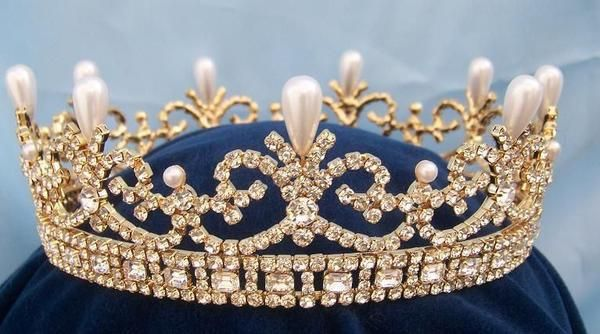 "Queen Victoria Regal Gold Full Rhinestone Crown Young and beautiful Princess Victoria was an avid ""Party Girl"", who well may had put the ""Swing"" in London way b"