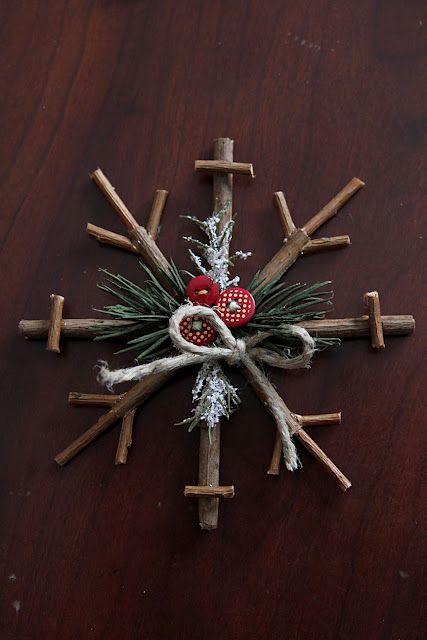 DIY Rustic Snowflake - Rustic Christmas decor